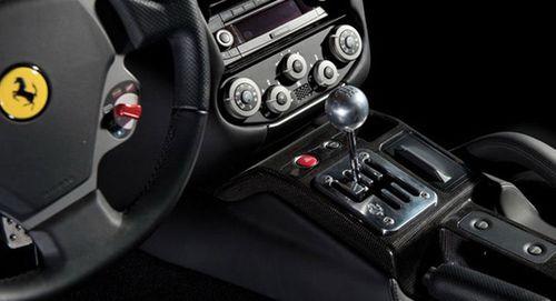 Ferrari quyết nói không với hộp số sàn cho các siêu xe sang chảnh - Ảnh 1