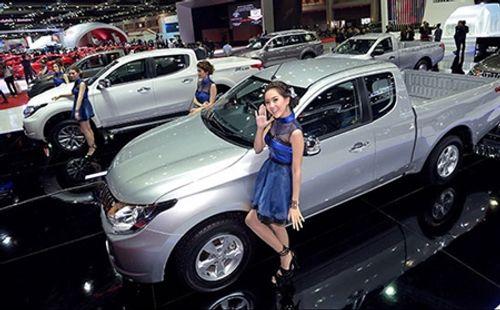 Nhập khẩu ô tô từ Trung Quốc bất ngờ giảm hơn một nửa - Ảnh 1