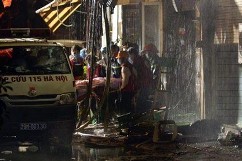 Toàn cảnh vụ hỏa hoạn thiêu rụi quán karaoke trên đường Trần Thái Tông - Ảnh 5