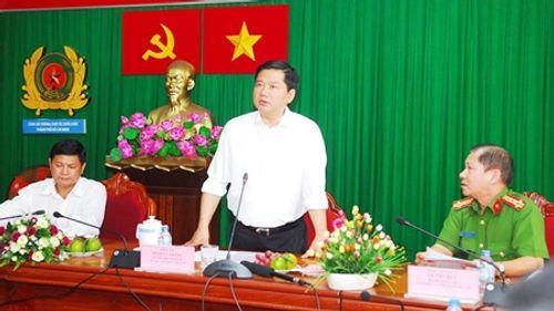 Ông Đinh La Thăng yêu cầu thuê trực thăng chữa cháy - Ảnh 1