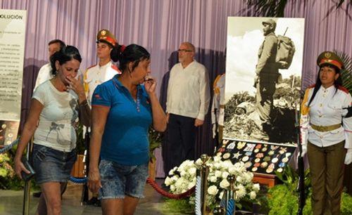 Người dân Cuba thương tiếc lãnh tụ cách mạng Fidel Castro - Ảnh 2