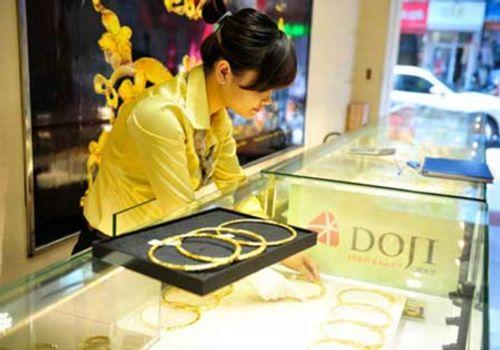 Giá vàng hôm nay 18/1: Vàng SJC tiếp tục tăng thêm 50 nghìn đồng/lượng - Ảnh 1