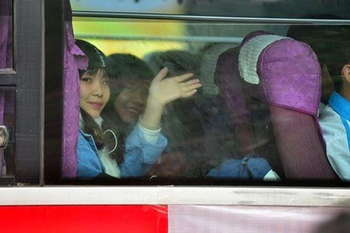 2.000 sinh viên được đi xe miễn phí về quê đón Tết Đinh Dậu - Ảnh 2