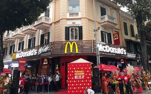 """""""Choáng váng"""" với phí thuê mặt bằng của Zara, H&M, McDonald's tại Hà Nội - Ảnh 1"""