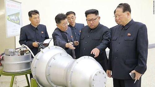 Nhìn lại 15 vụ thử tên lửa đạn đạo Triều Tiên năm 2017 - Ảnh 1