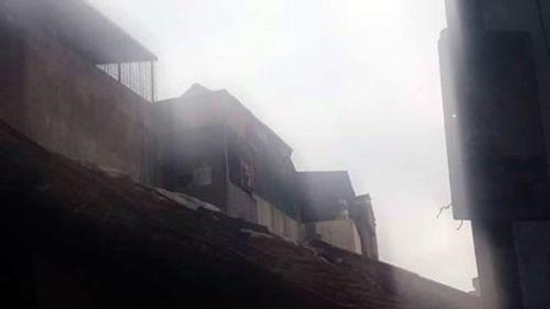 """Hà Nội: """"Bà hỏa"""" thiêu rụi 3 căn nhà trên phố Minh Khai - Ảnh 2"""