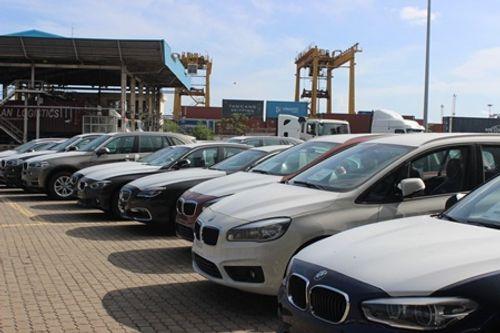 Ô tô nhập khẩu nguyên chiếc về Việt Nam bất ngờ giảm 3.500 chiếc - Ảnh 1