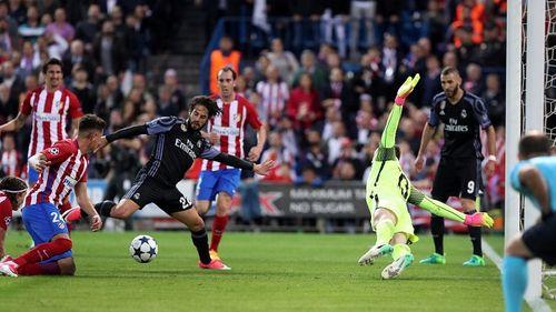 Real Madrid: Isco như nghệ sĩ khiêu vũ giữa bầy sói Atletico - Ảnh 1