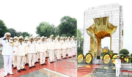 Lãnh đạo Đảng, Nhà nước vào Lăng viếng Chủ tịch Hồ Chí Minh - Ảnh 3