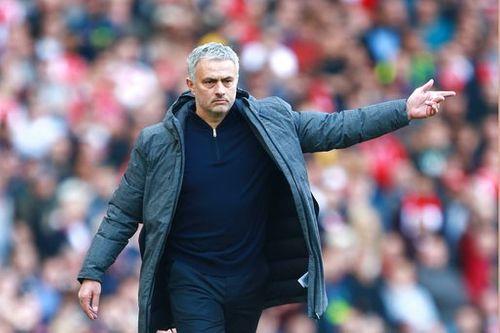 Huấn luyện viên Mourinho: Lần đầu thấy cổ động viên Arsenal ngừng khóc - Ảnh 1