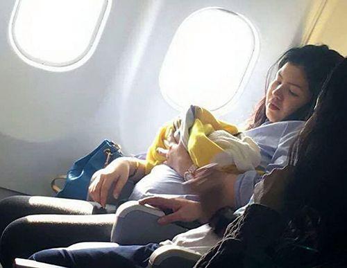 Hy hữu: Chào đời ở độ cao hơn 10.000m, bé trai được bay miễn phí trọn đời - Ảnh 2