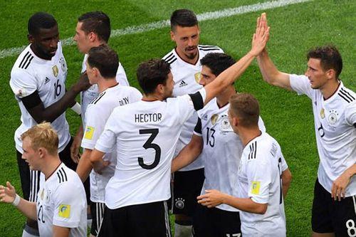 Nhọc nhằn đánh bại Úc, Đức có 3 điểm ngày ra quân - Ảnh 1
