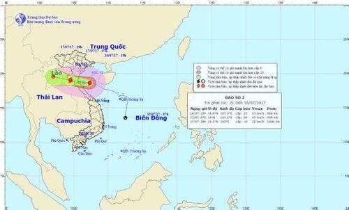 Cơn bão số 2 sắp đổ bộ vào đất liền, gió giật cấp 11-12 - Ảnh 1