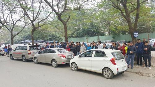 Hà Nội: Hàng trăm ô tô tuần hành đòi Grab giảm chiết khấu - Ảnh 2
