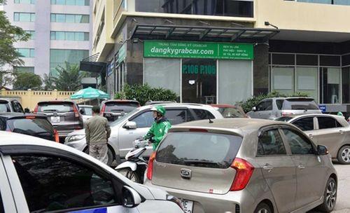 Hà Nội: Hàng trăm ô tô tuần hành đòi Grab giảm chiết khấu - Ảnh 1