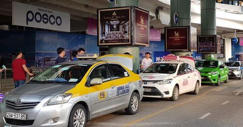 """Các hiệp hội taxi """"cầu cứu"""" Bộ GTVT vì bị đối xử bất công so với Grab, Uber - Ảnh 1"""