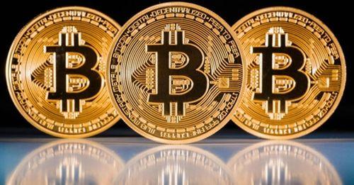 """Giá Bitcoin hôm nay 18/1: Bitcoin tiếp tục """"bay"""" mất 800 USD - Ảnh 1"""
