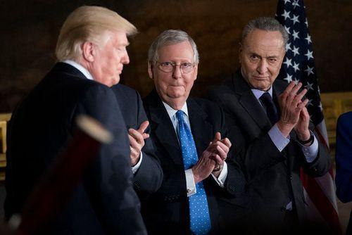 Nhà Trắng lên tiếng sau khi chính phủ Mỹ chính thức đóng cửa - Ảnh 1