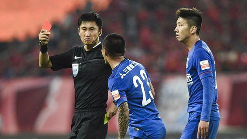 AFC họp khẩn, thay trọng tài trận chung kết U23 Việt Nam – U23 Uzbekistan - Ảnh 1