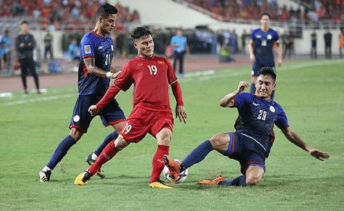 Bán kết AFF Cup 2018 Việt Nam 2 -1 Philippines: Công Phượng, Quang Hải lập công - Ảnh 2