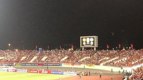 Bán kết AFF Cup 2018 Việt Nam 2 -1 Philippines: Công Phượng, Quang Hải lập công - Ảnh 6