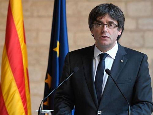 Tây Ban Nha yêu cầu Nghị viện Catalonia tìm người thay thế ông Puidemont - Ảnh 1