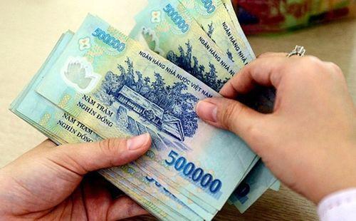 Ngân hàng hứa thưởng Tết cho nhân viên đến 7 tháng lương - Ảnh 1