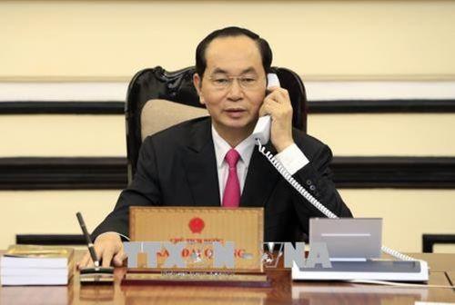 Chủ tịch nước Trần Đại Quang điện đàm với Tổng thống Hoa Kỳ Donald Trump - Ảnh 1