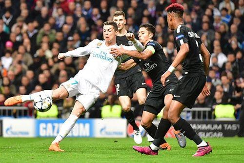 """Ronaldo lập cú đúp, Real ngược dòng thắng """"gã học việc"""" PSG 3-1 - Ảnh 1"""