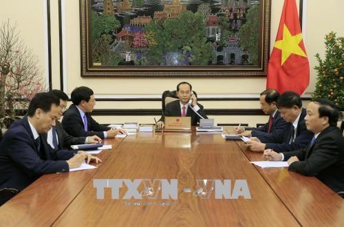 Chủ tịch nước Trần Đại Quang điện đàm với Tổng thống Hoa Kỳ Donald Trump - Ảnh 2