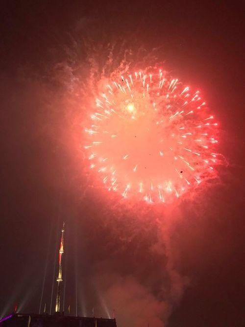 Ngắm màn pháo hoa rực sáng mừng năm mới trên cả nước - Ảnh 8