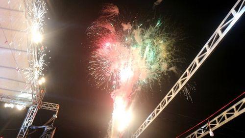 Ngắm màn pháo hoa rực sáng mừng năm mới trên cả nước - Ảnh 9