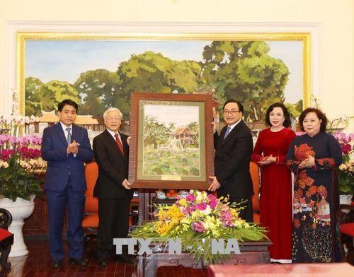 Tổng Bí thư Nguyễn Phú Trọng chung vui cùng người dân Hà Nội chào đón Giao thừa - Ảnh 2