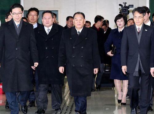 Tổng thống Hàn Quốc gặp tướng Kim Yong-chol dẫn đầu đoàn cấp cao Triều Tiên - Ảnh 1