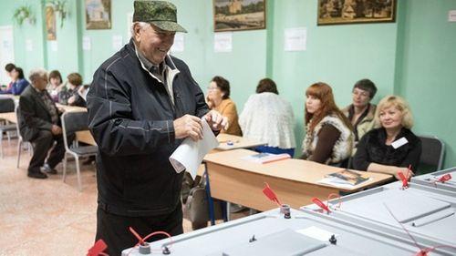 Người dân Nga bắt đầu bỏ phiếu bầu Tổng thống - Ảnh 1