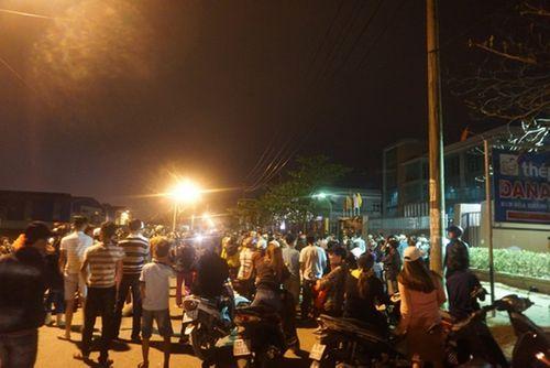 Chậm di dời, hàng trăm người dân Đà Nẵng bao vây nhà máy thép  - Ảnh 1
