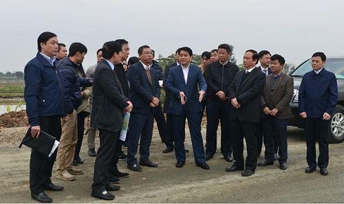 Chủ tịch Nguyễn Đức Chung kiểm tra dự án đầu tư xây dựng đường trục phía Nam - Ảnh 1
