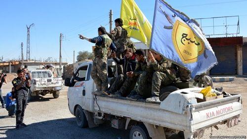 Mỹ không kích lực lượng thân chính phủ Syria, hơn 100 người thiệt mạng - Ảnh 1