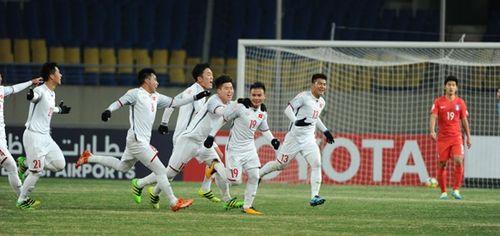Quang Hải được nhiều đội bóng nước ngoài săn đón, lương 30.000 USD/tháng - Ảnh 1