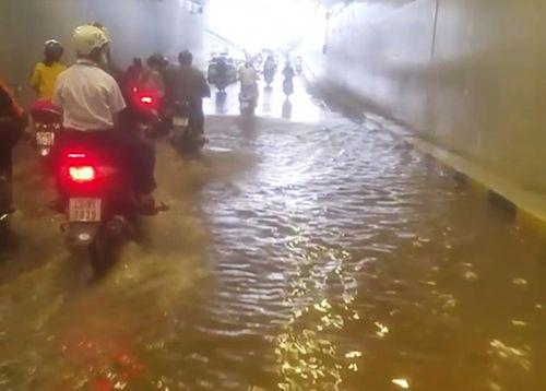 Vụ hầm chui 120 tỷ ngập nước: Bí thư Đà Nẵng truy trách nhiệm Sở GTVT - Ảnh 2
