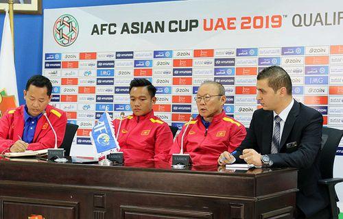 HLV Park Hang Seo đặt mục tiêu giành ít nhất 1 điểm trước Jordan - Ảnh 1