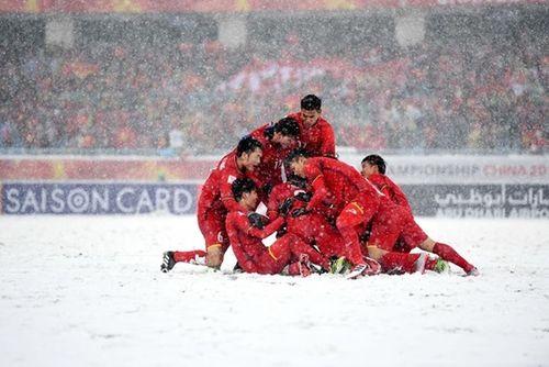 Quang Hải, Bùi Tiến Dũng nhận thưởng nhiều nhất sau kỳ tích U23 châu Á - Ảnh 1