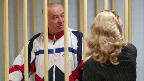 Cựu điệp viên hai mang bị đầu độc bí ẩn: Quan hệ Anh - Nga căng thẳng - Ảnh 2