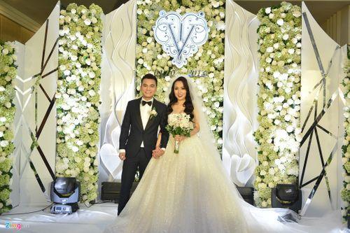 Dàn sao Việt dự tiệc cưới của ca sĩ Khắc Việt - Ảnh 1
