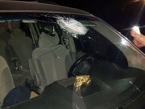 Vụ ném đá hàng loạt ôtô ở cao tốc Hà Nội-Thái Nguyên: Nghi do trẻ em nghịch dại - Ảnh 1