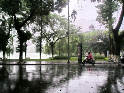 Dự báo thời tiết ngày 20/4: Miền Bắc mưa rào, đề phòng tố, lốc - Ảnh 1