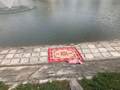 Bàng hoàng phát hiện người đàn ông tử vong dưới hồ Ngọc Khánh - Ảnh 1