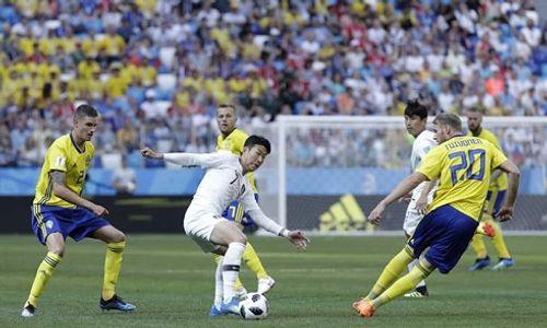 Thụy Điển vs Hàn Quốc 1 - 0: Bàn thắng tranh cãi từ VAR - Ảnh 2