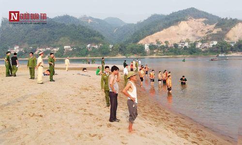 Hình ảnh tang thương tại hiện trường vụ 8 học sinh Hòa Bình chết đuối trên sông Đà - Ảnh 1