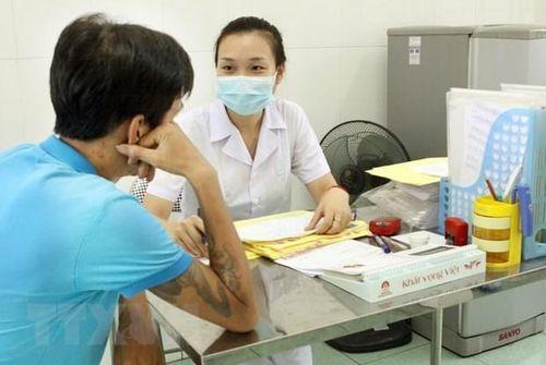 Từ 8/3, bệnh nhân HIV sẽ được nhận thuốc ARV từ quỹ bảo hiểm y tế - Ảnh 1